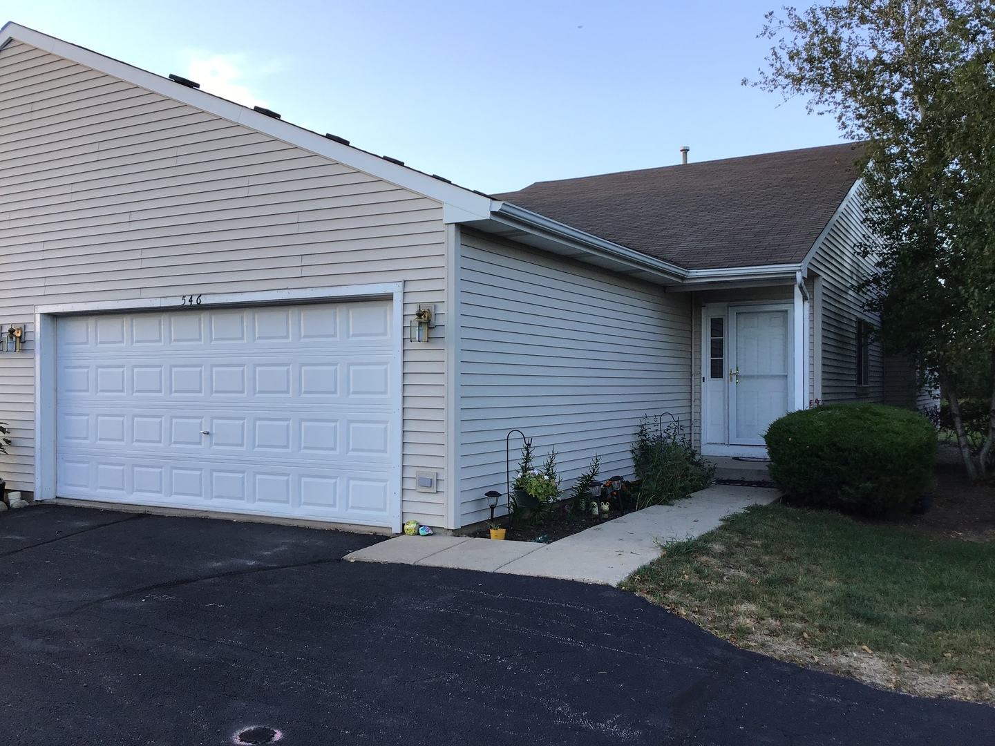 Photo for 546 Timber Drive, Harvard, IL 60033 (MLS # 10824371)