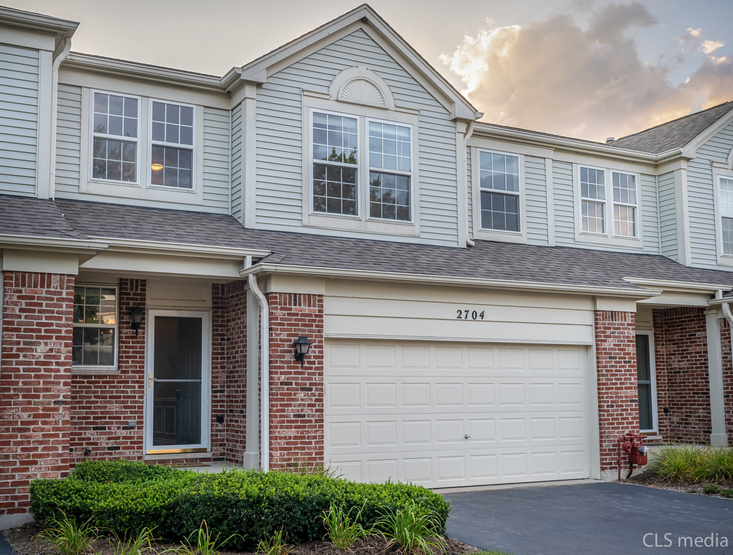 Photo for 2704 Bay View Circle, Unit Number 2704, Algonquin, IL 60102 (MLS # 10826836)