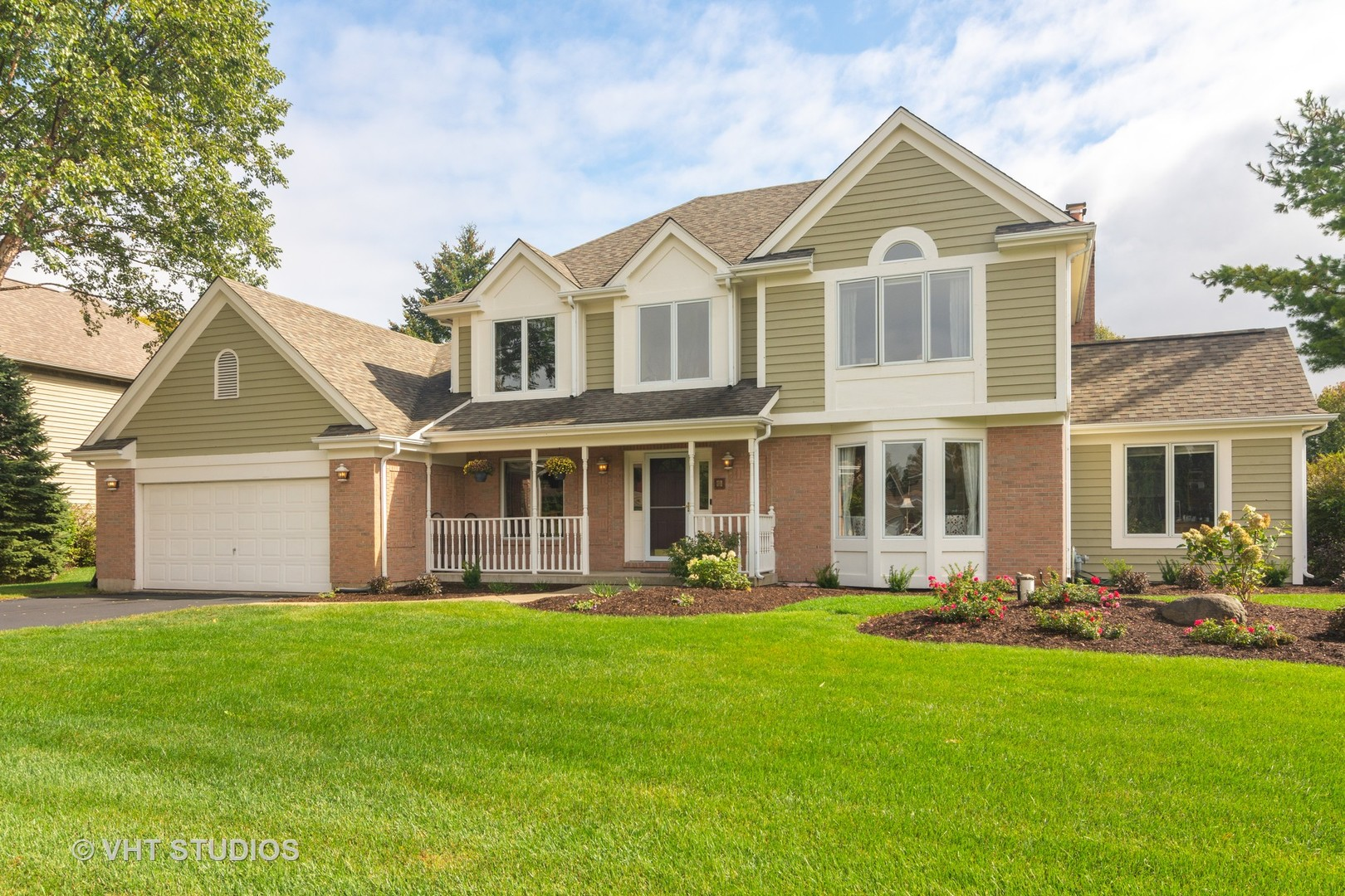Photo for 7110 Swan Way, Cary, IL 60013 (MLS # 10830422)
