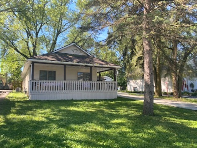 Photo for 114 Deer Path, Lake In The Hills, IL 60156 (MLS # 10841895)