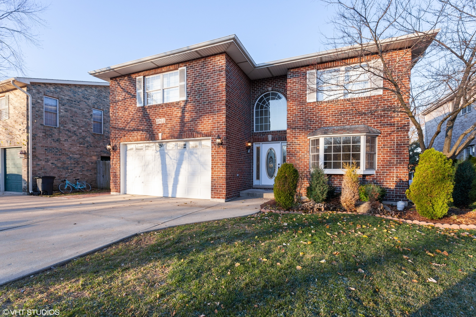 Photo for 5912 Belmont Road, Downers Grove, IL 60516 (MLS # 10842159)