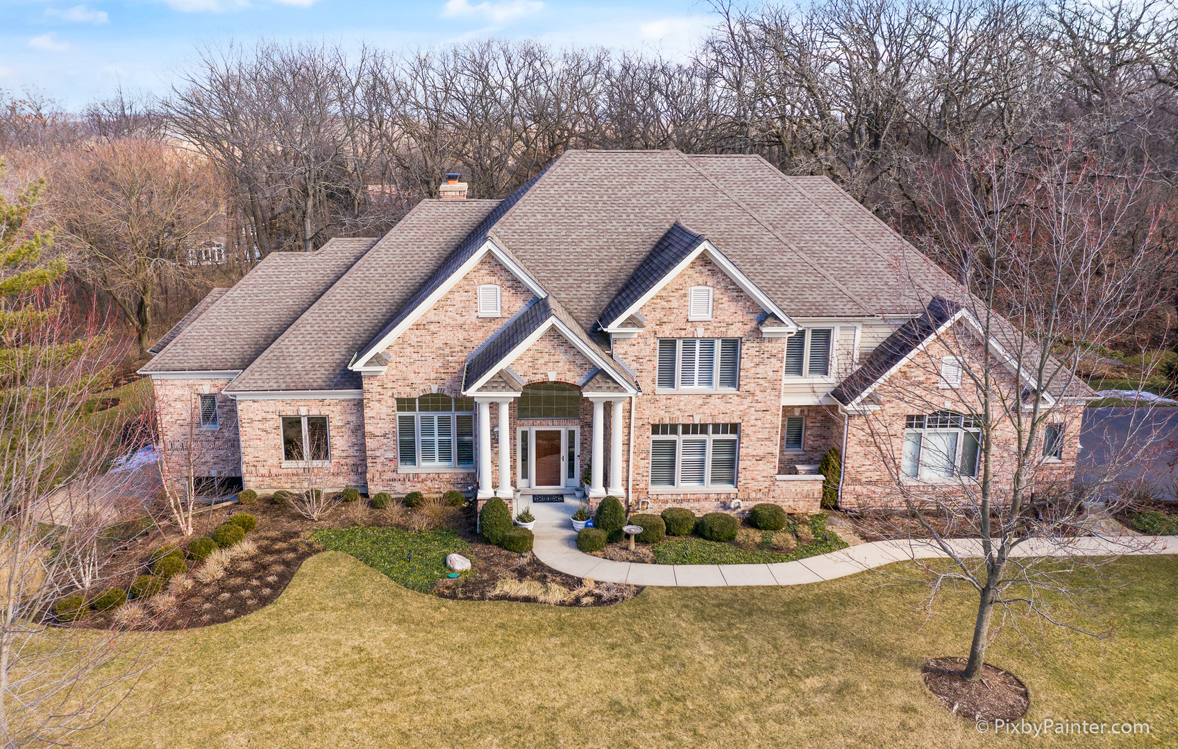 Photo for 7214 Horseshoe Court, Cary, IL 60013 (MLS # 10842700)