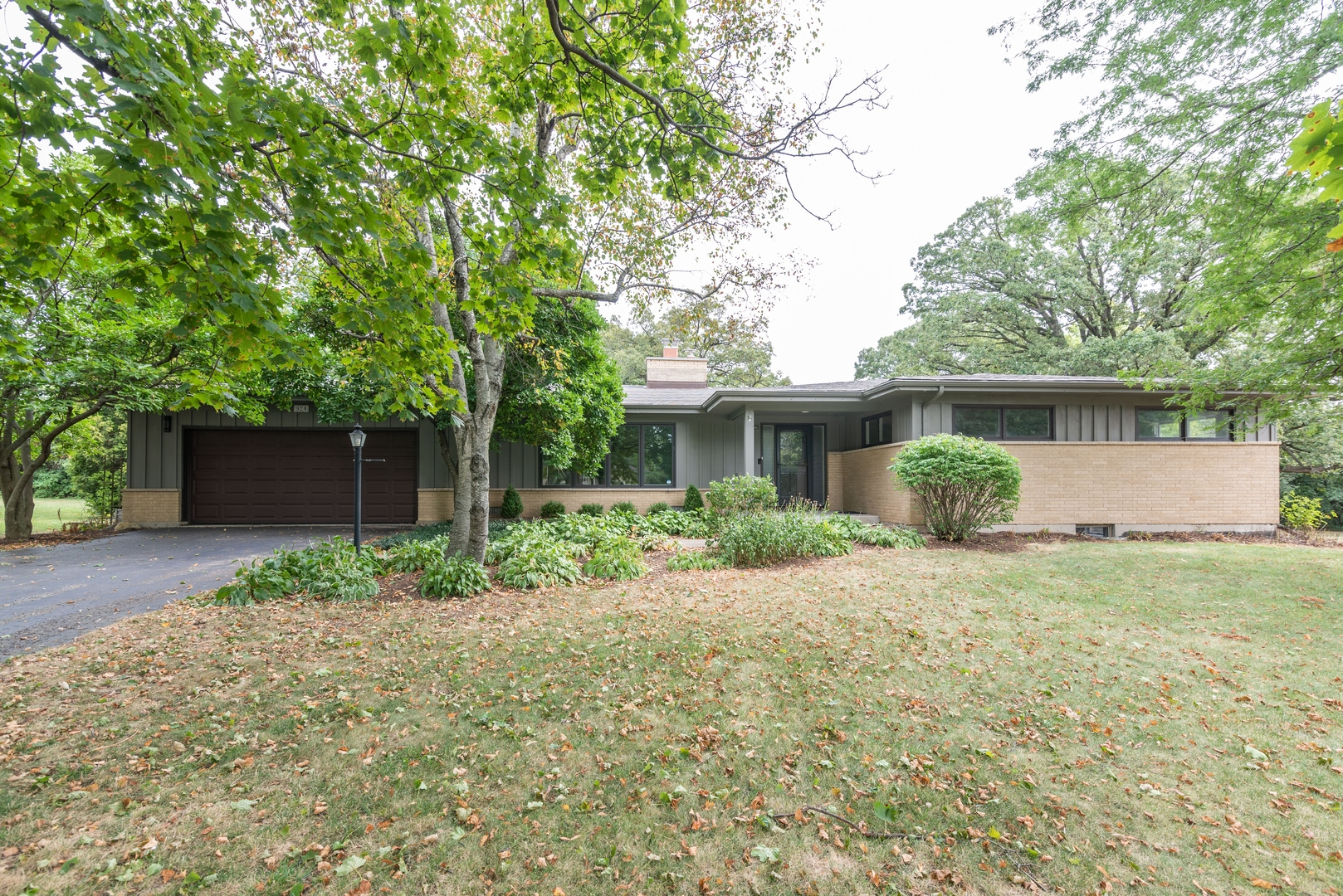 Photo for 924 Forest Drive, Elgin, IL 60123 (MLS # 10846085)