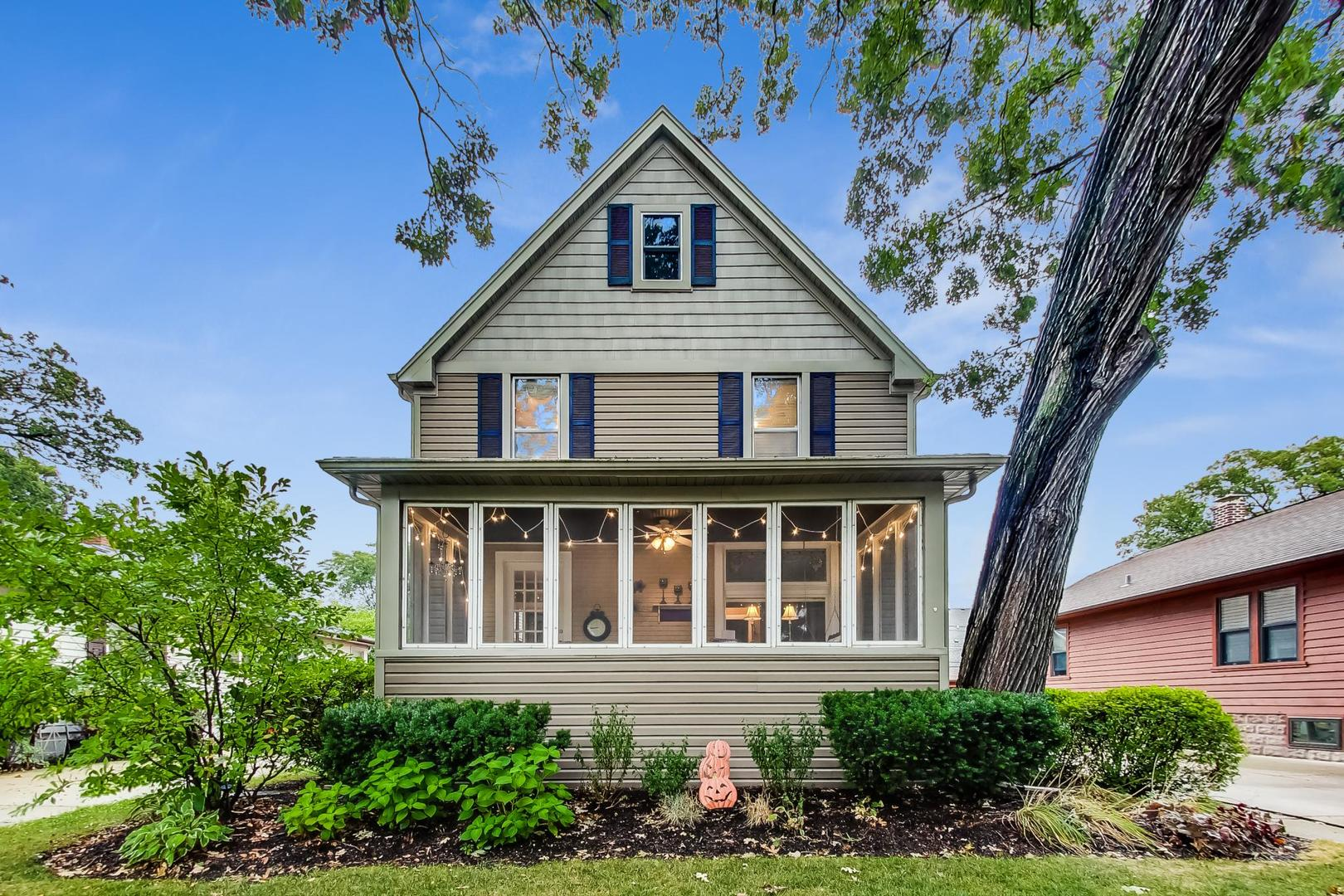 Photo for 4929 Middaugh Avenue, Downers Grove, IL 60515 (MLS # 10846755)