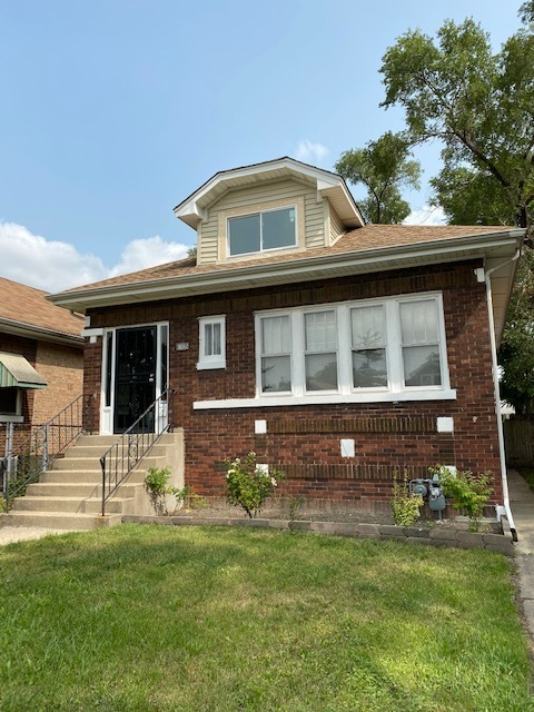Photo for 1935 S 11th Avenue, Maywood, IL 60153 (MLS # 10859003)