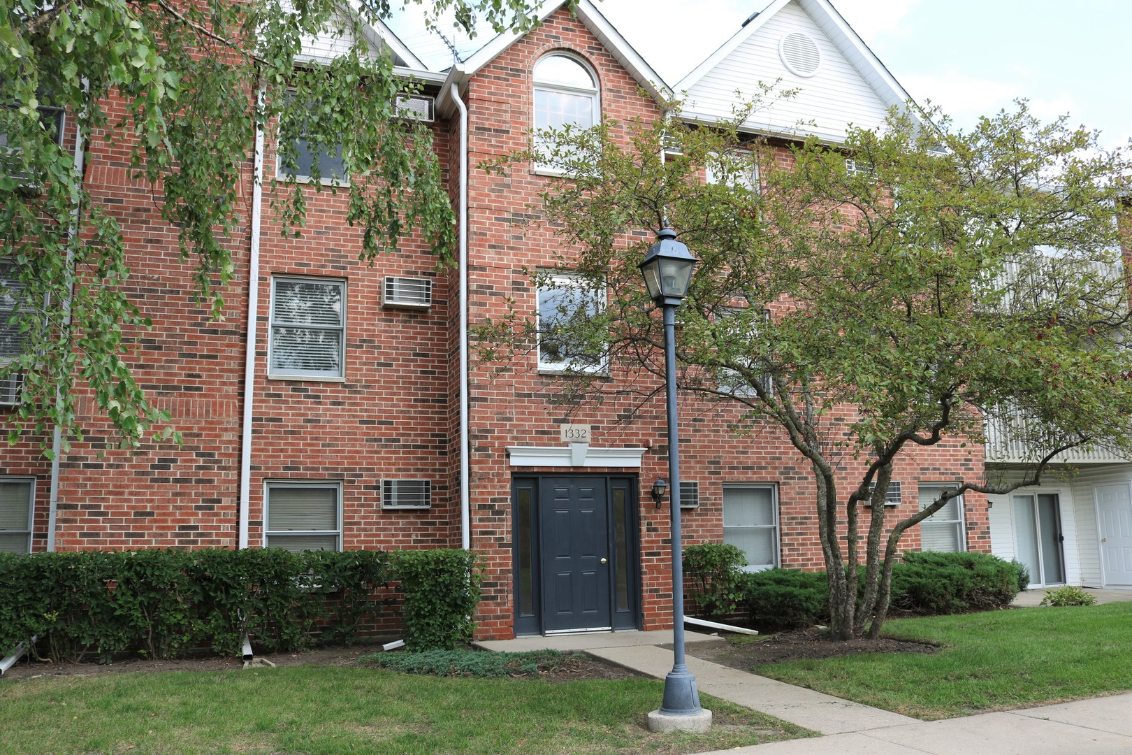 Photo for 1332 Cunat Court, Unit Number 3, Lake In The Hills, IL 60156 (MLS # 10861499)