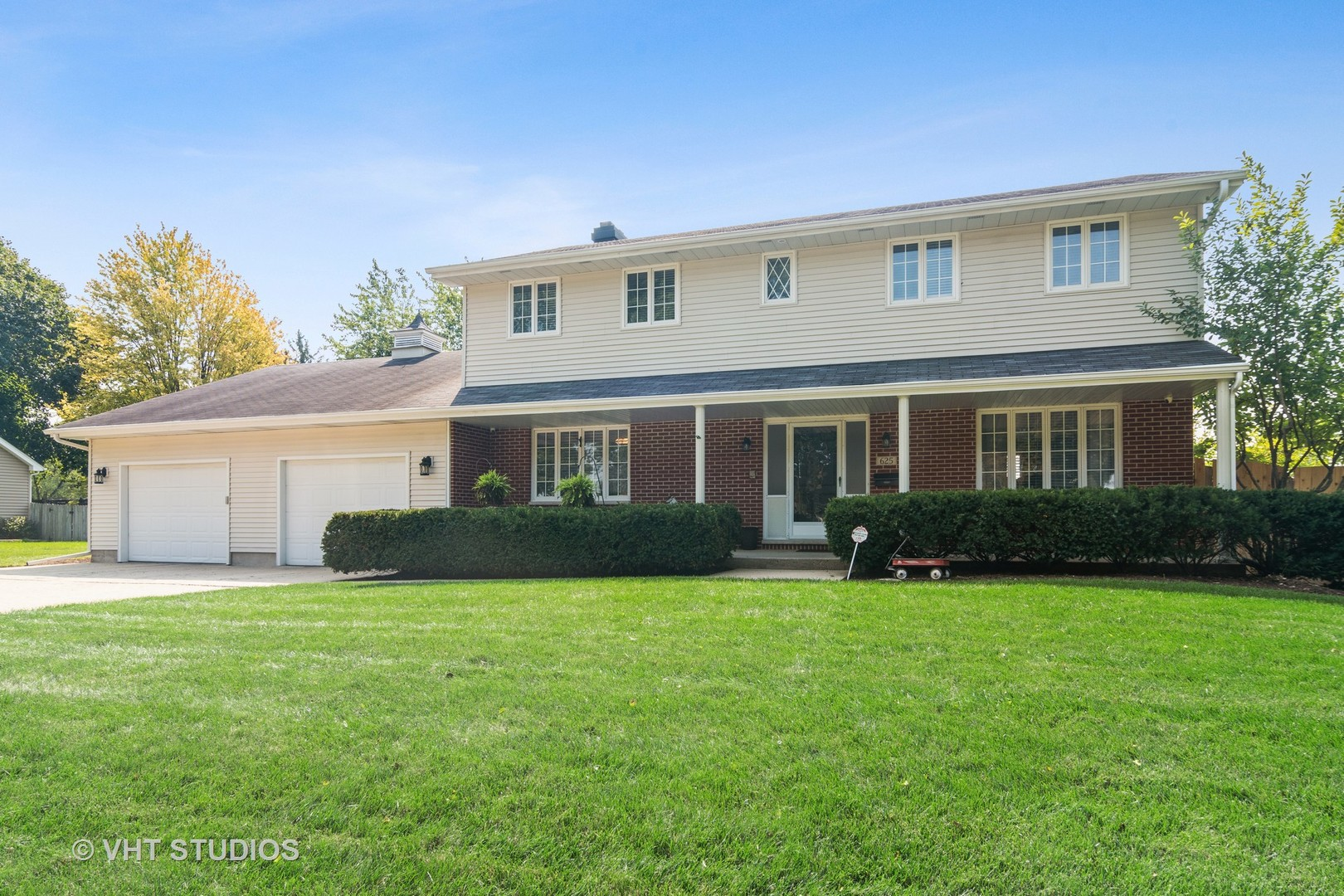Photo for 625 E State Street, South Elgin, IL 60177 (MLS # 10861767)