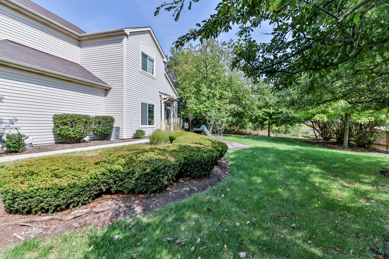 Photo for 281 Nicole Drive, Unit Number F, South Elgin, IL 60177 (MLS # 10862278)