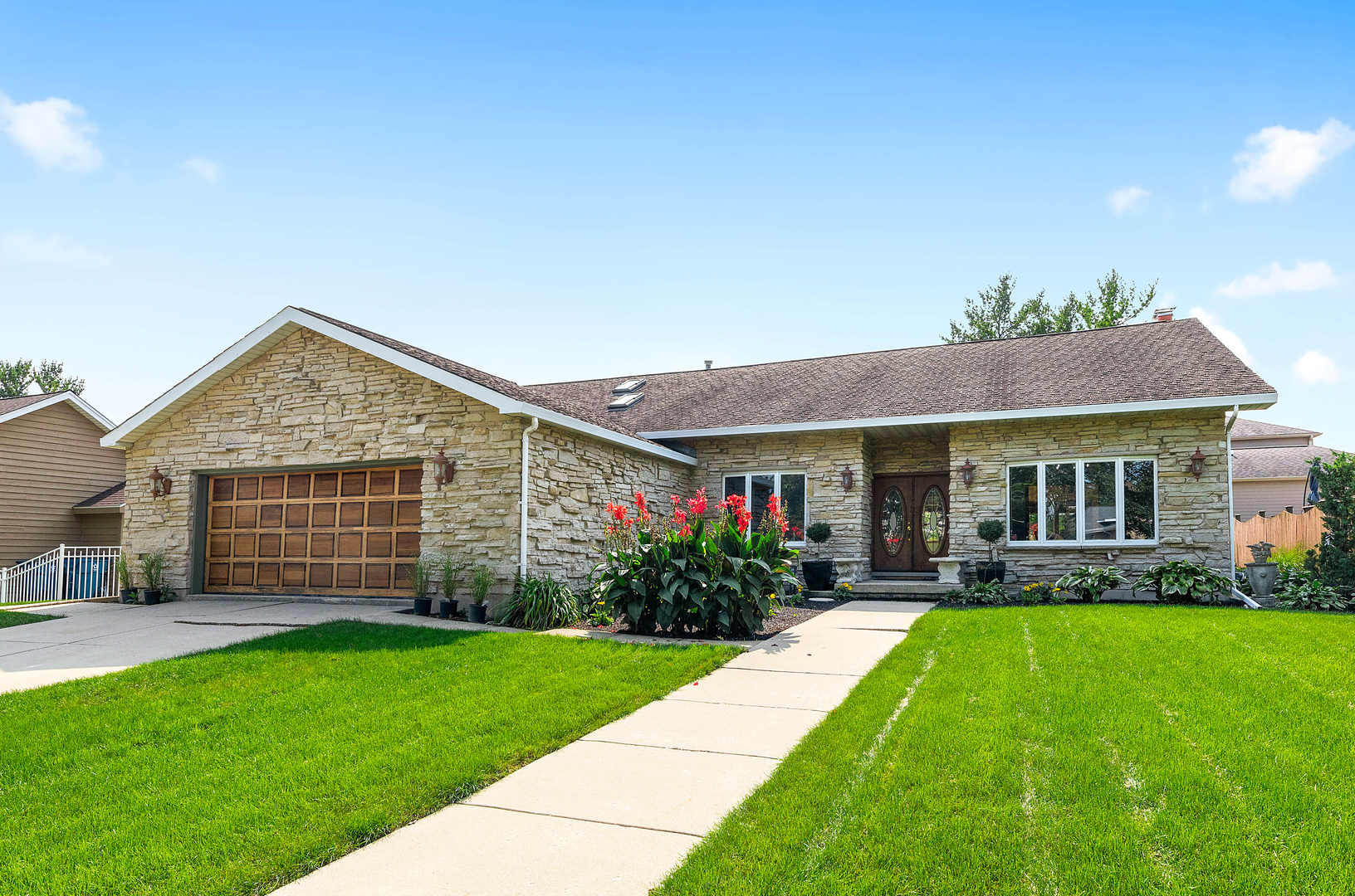 Photo for 1421 Bradley Court, Downers Grove, IL 60516 (MLS # 10863444)