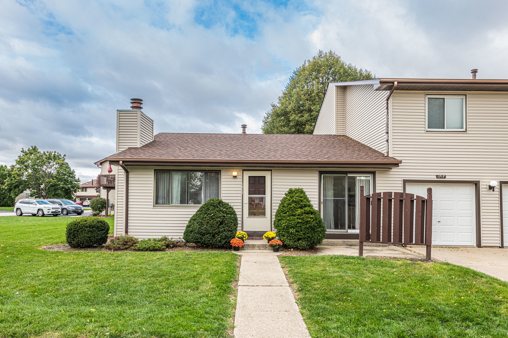 Photo for 1717 Longwood Drive, Unit Number 1717, Sycamore, IL 60178 (MLS # 10890499)