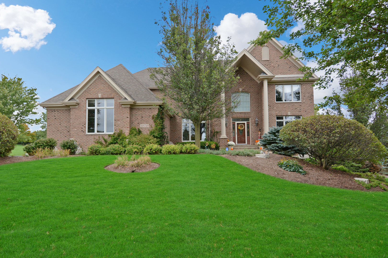 Photo for 10N749 Highland Trail, Hampshire, IL 60140 (MLS # 10895876)