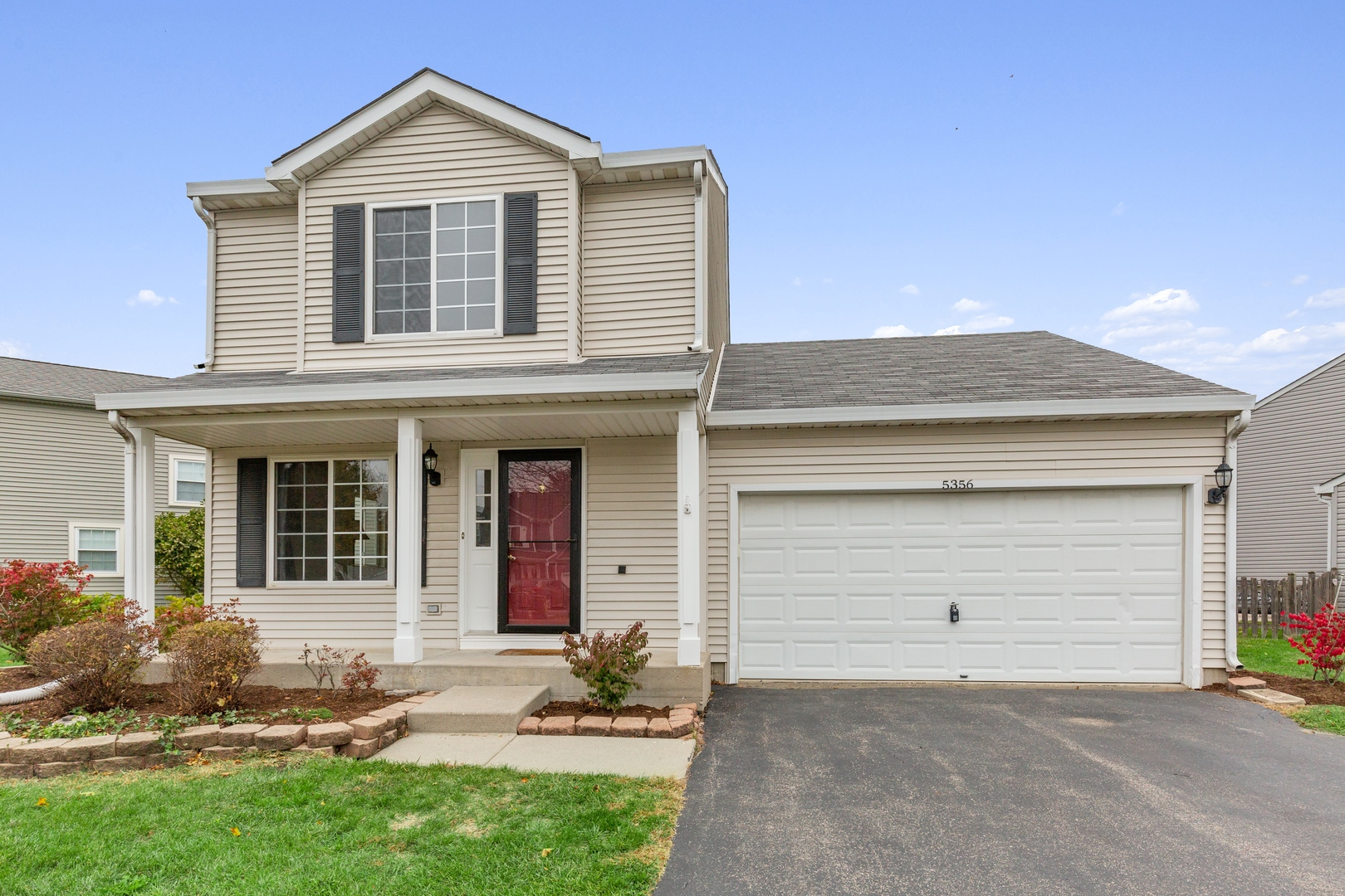 Photo for 5356 Lansbury Circle, Lake In The Hills, IL 60156 (MLS # 10897959)