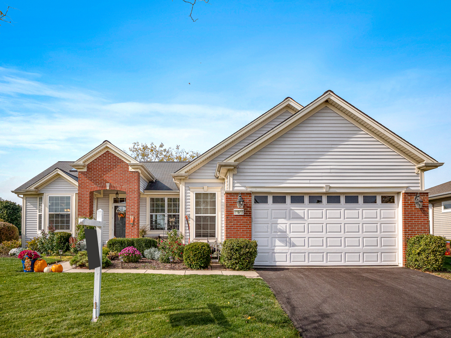 Photo for 12945 Cold Springs Drive, Huntley, IL 60142 (MLS # 10902114)