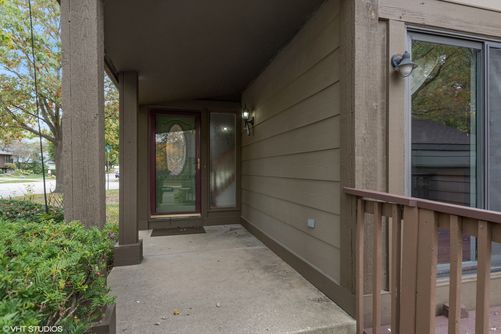 Photo for 175 N Glengarry Drive, Unit Number A, Geneva, IL 60134 (MLS # 10902666)