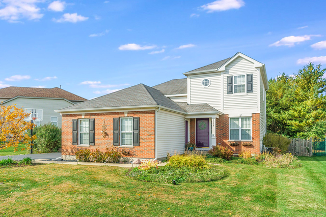 Photo for 2034 Greenview Drive, Woodstock, IL 60098 (MLS # 10903139)