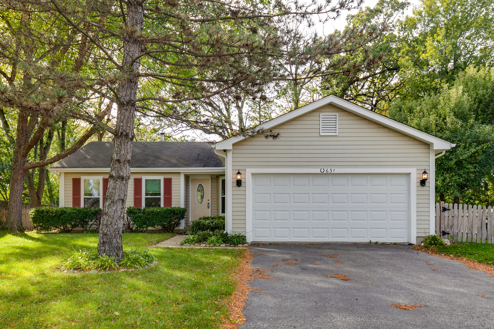 Photo for 631 Timberwood Lane, Algonquin, IL 60102 (MLS # 10903180)