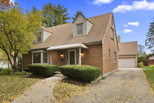 Photo for 505 N Worth Avenue, Elgin, IL 60123 (MLS # 10903638)