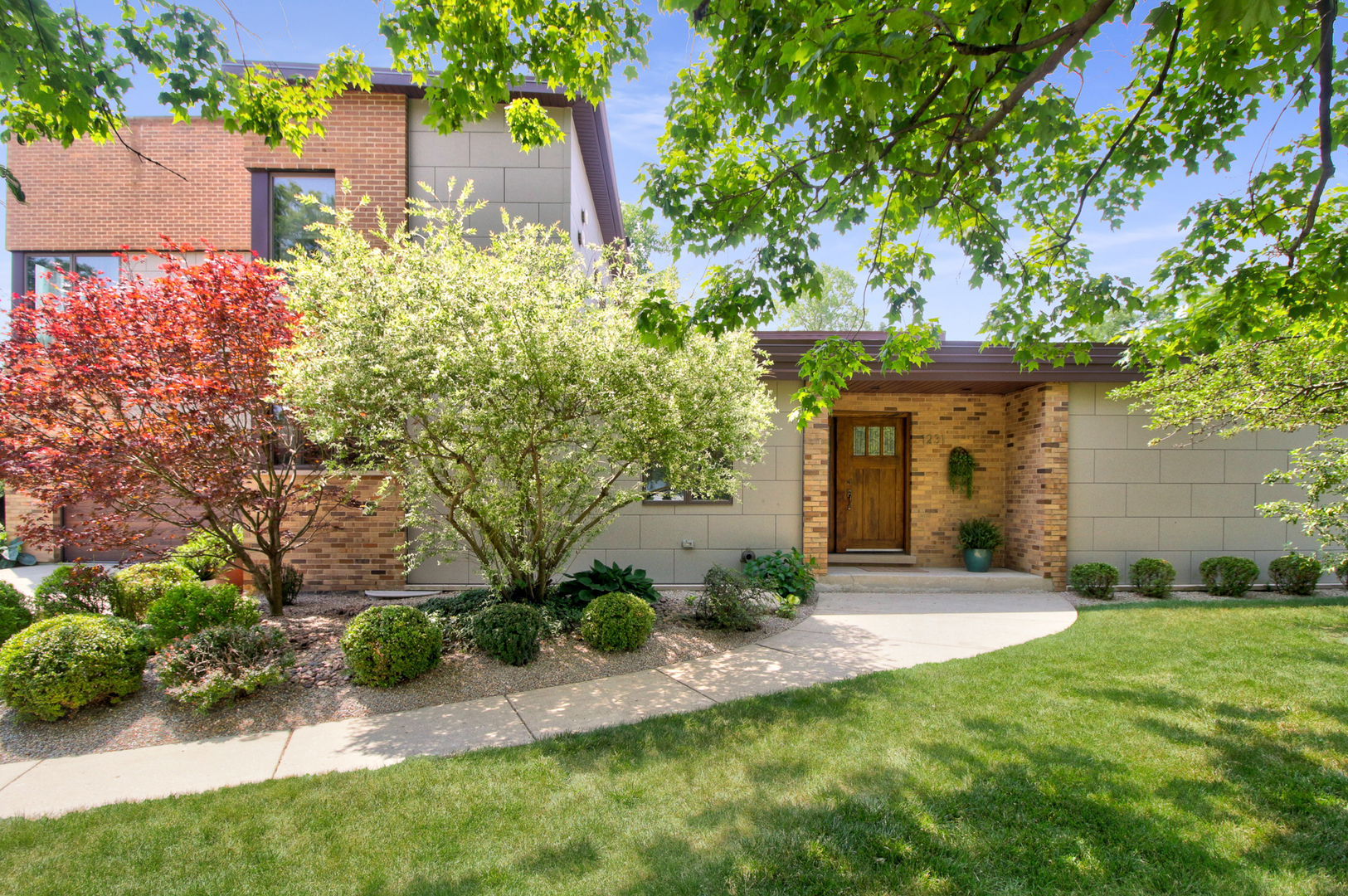 Photo for 1231 59th Street, Downers Grove, IL 60516 (MLS # 10904716)