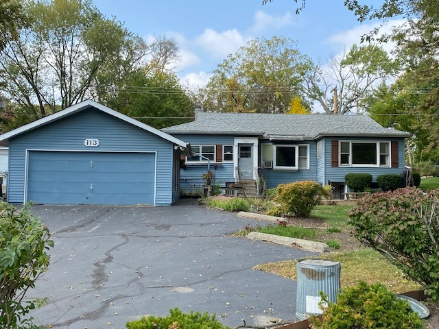Photo for 113 Hawthorne Road, Lake In The Hills, IL 60156 (MLS # 10904903)