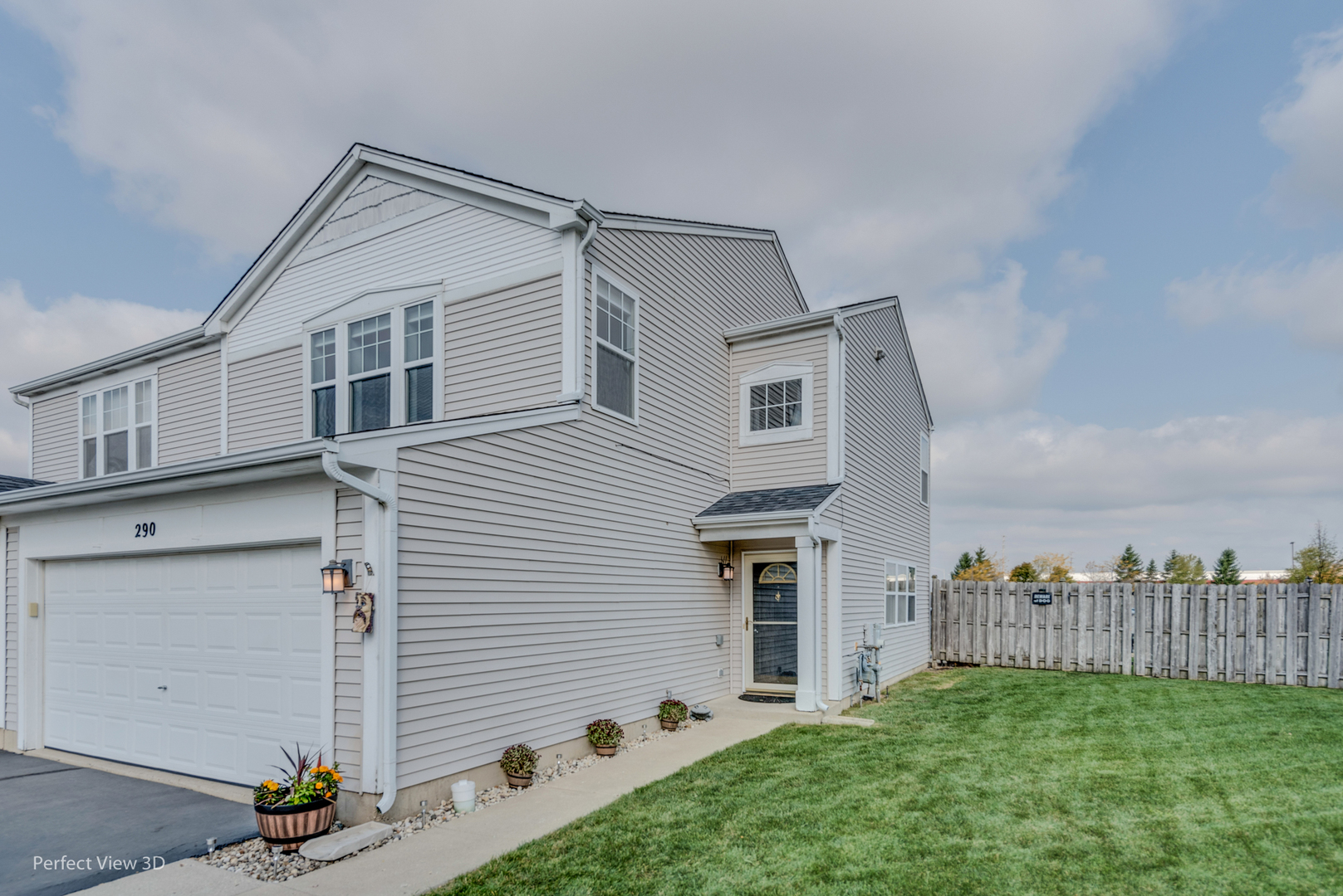 Photo for 290 Wedgewood Circle, Lake In The Hills, IL 60156 (MLS # 10908044)