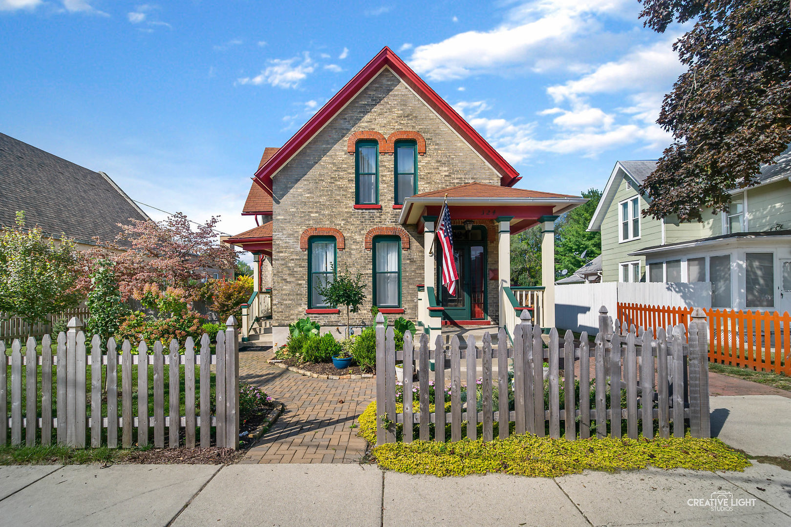 Photo for 324 Griswold Street, Elgin, IL 60123 (MLS # 10908622)