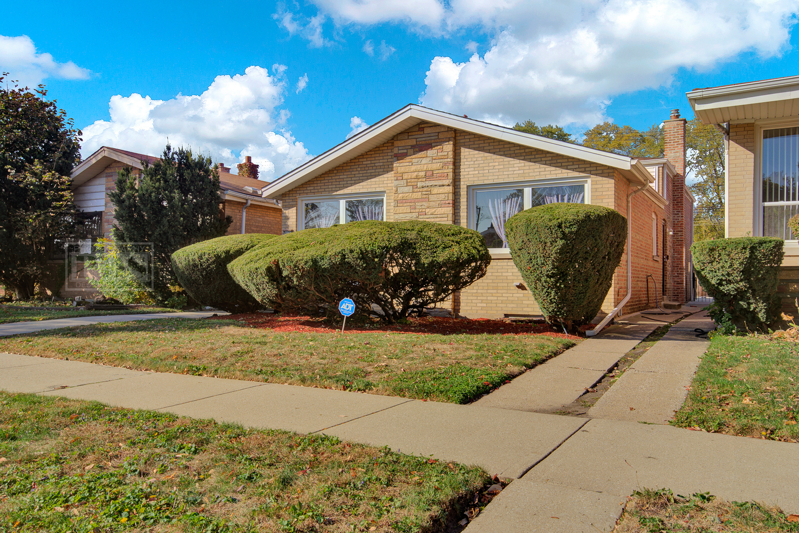 Photo for 9024 S Yates Boulevard, Chicago, IL 60617 (MLS # 10910115)