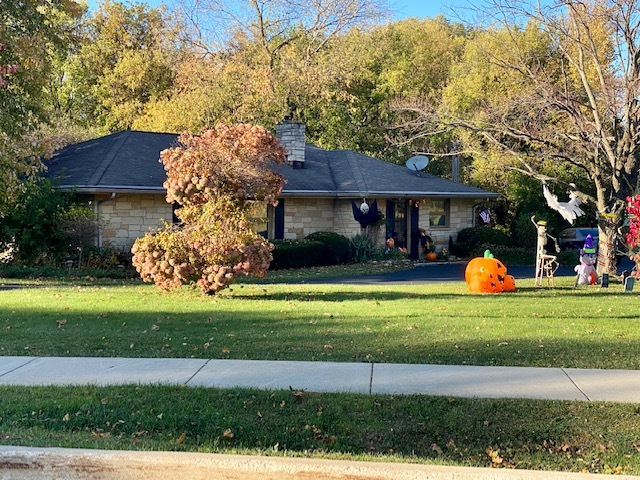 Photo for 6017 Terra Cotta Road, Crystal Lake, IL 60014 (MLS # 10912003)