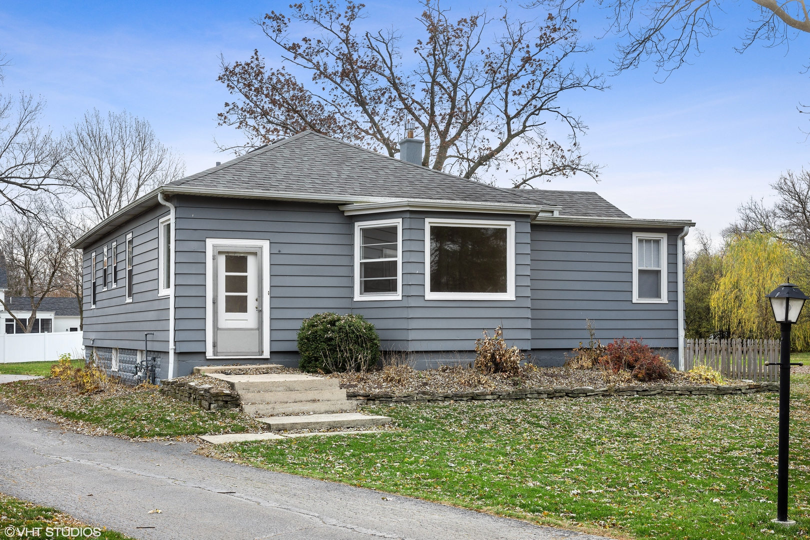 Photo for 5517 Katrine Avenue, Downers Grove, IL 60515 (MLS # 10930672)