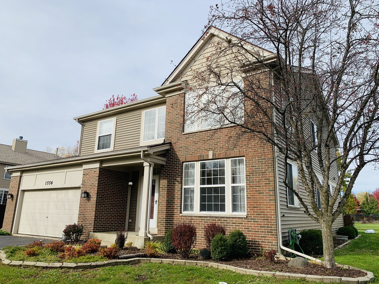 Photo for 1556 Summerhill Lane, Cary, IL 60013 (MLS # 10935886)
