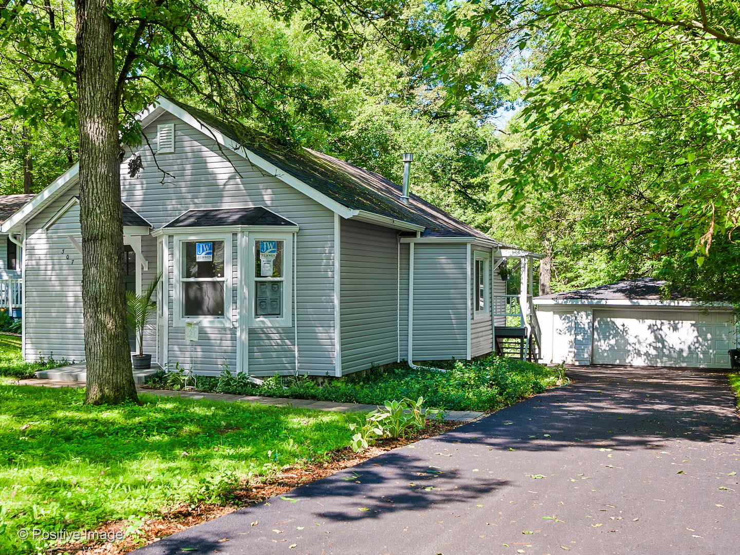 Photo for 307 Wander Way, Lake In The Hills, IL 60156 (MLS # 10936953)