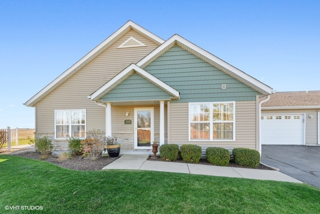 Photo for 2114 Waterbury Lane E, Unit Number 2114, Sycamore, IL 60178 (MLS # 10937116)