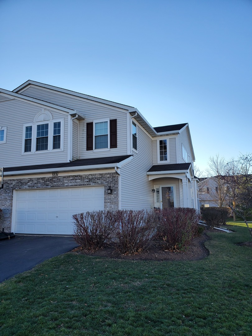 Photo for 3331 Ronan Drive, Lake In The Hills, IL 60156 (MLS # 10937215)