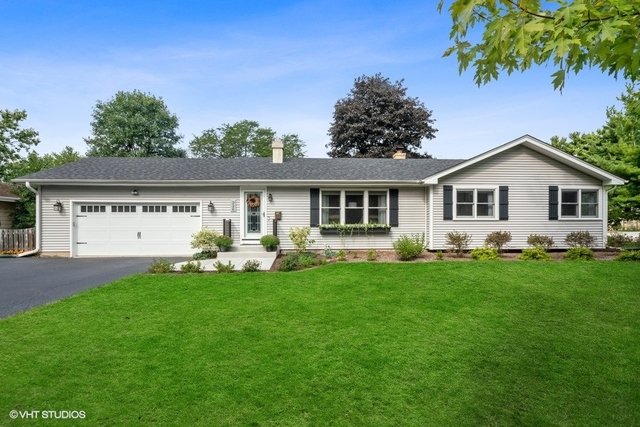 Photo for 226 N Pine Street, Geneva, IL 60134 (MLS # 10937422)