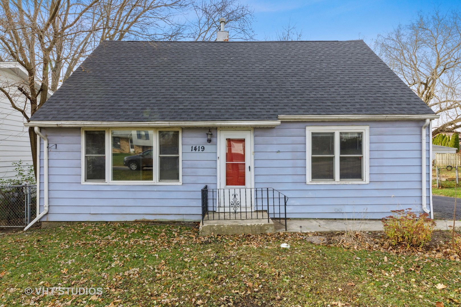 Photo for 1419 Washington Street, Lake In The Hills, IL 60156 (MLS # 10938760)