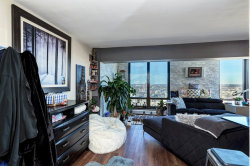 Tiny photo for 6166 N Sheridan Road, Unit Number 22B, Chicago, IL 60660 (MLS # 10939383)