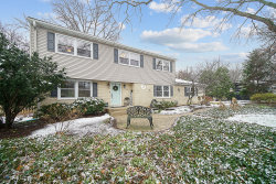 Photo of 2S237 Burning Trail, Wheaton, IL 60189 (MLS # 10942257)
