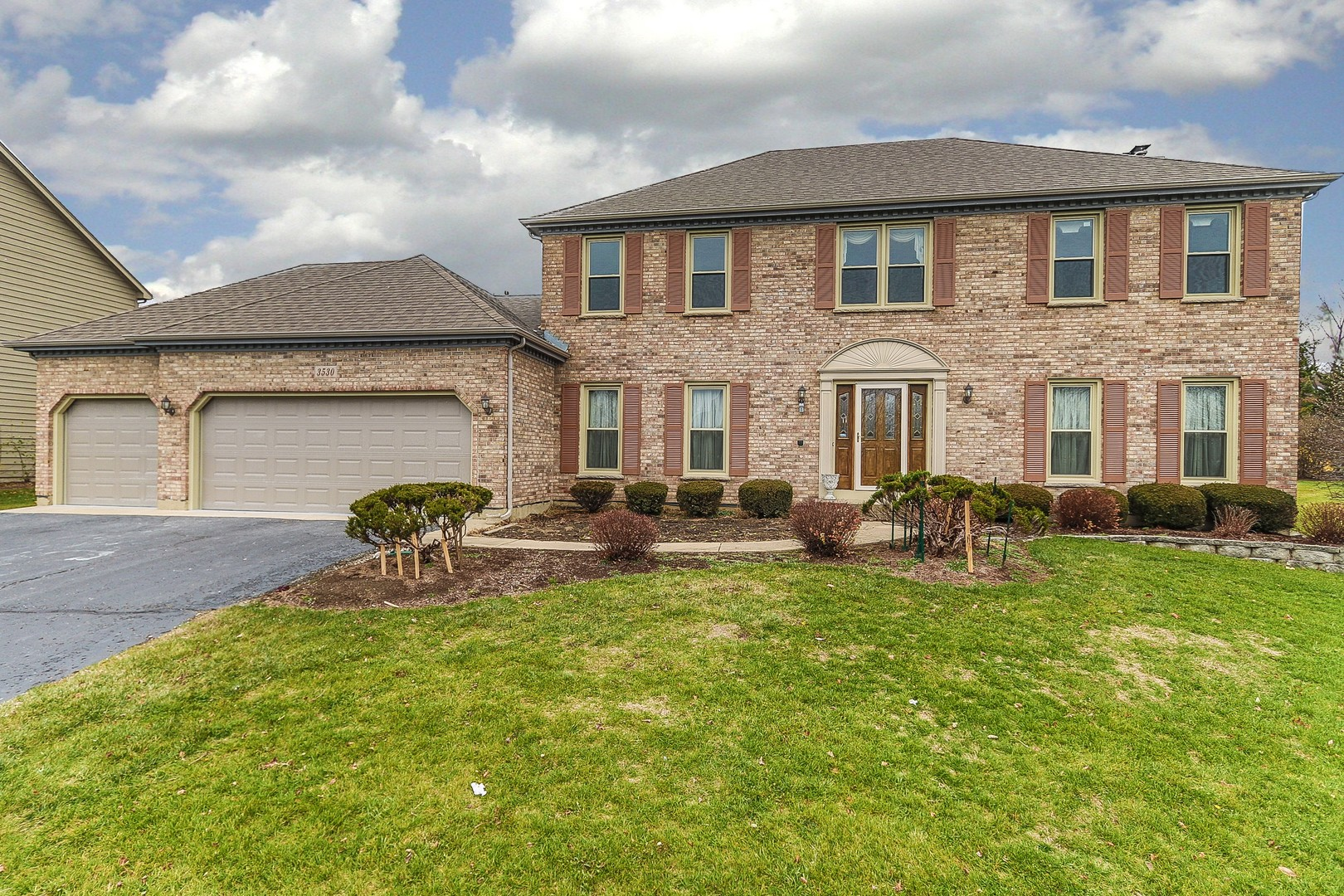 Photo for 3530 Lakeview Drive, Algonquin, IL 60102 (MLS # 10943863)