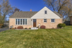 Photo of 336 Orchard Terrace, Roselle, IL 60172 (MLS # 10944329)