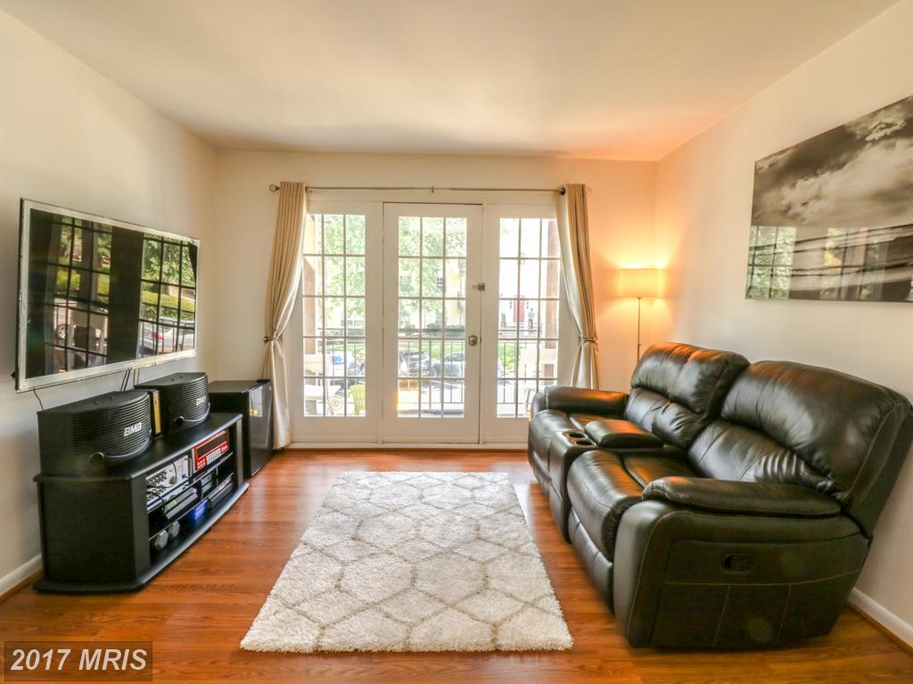 Photo for 9469 FAIRFAX BLVD, Unit 204, Fairfax, VA 22031 (MLS # FC10053558)