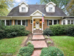 Photo of 9555 GRAND OAKS CT, Vienna, VA 22181 (MLS # FX10079731)