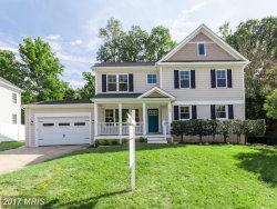 Photo of 704 KINGSLEY RD SW, Vienna, VA 22180 (MLS # FX10080533)