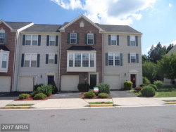 Photo of 42247 ST HUBERTS PL, Chantilly, VA 20152 (MLS # LO9980771)