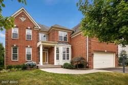 Photo of 804 SADDLEBACK PL NE, Leesburg, VA 20176 (MLS # LO9985967)