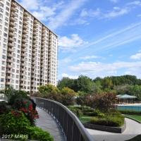 Photo of 5225 POOKS HILL RD, Unit 1516 SOUTH, Bethesda, MD 20814 (MLS # MC10085521)