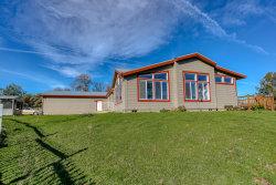 Photo of 17600 Nebraska Way, Anderson, CA 96007 (MLS # 20-3745)