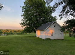 Photo of 1001 Valley Drive, Centerville, IA 52544-2825 (MLS # 5581003)