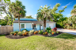 Photo of 534 12th AVE N, JACKSONVILLE BEACH, FL 32250 (MLS # 957304)