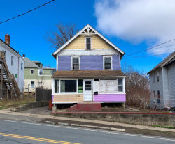Photo of 238 Linden St, Pittsfield, MA 01201 (MLS # 230243)