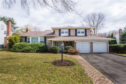 Photo of 26 Mohawk Drive, Springfield, NJ 07081 (MLS # 1919512)