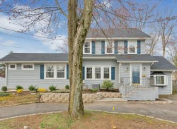 Photo of 221 Evergreen Court, Mountainside, NJ 07092 (MLS # 1919725)